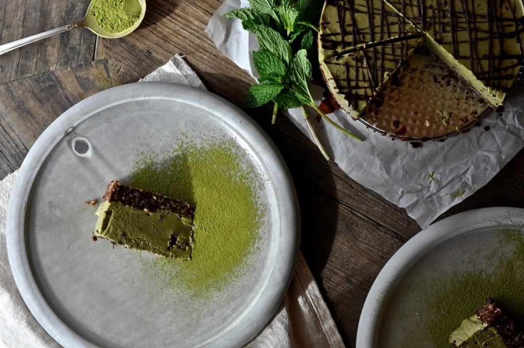 Matcha Mint Cacao Chip Ice Cream Cake (Raw)